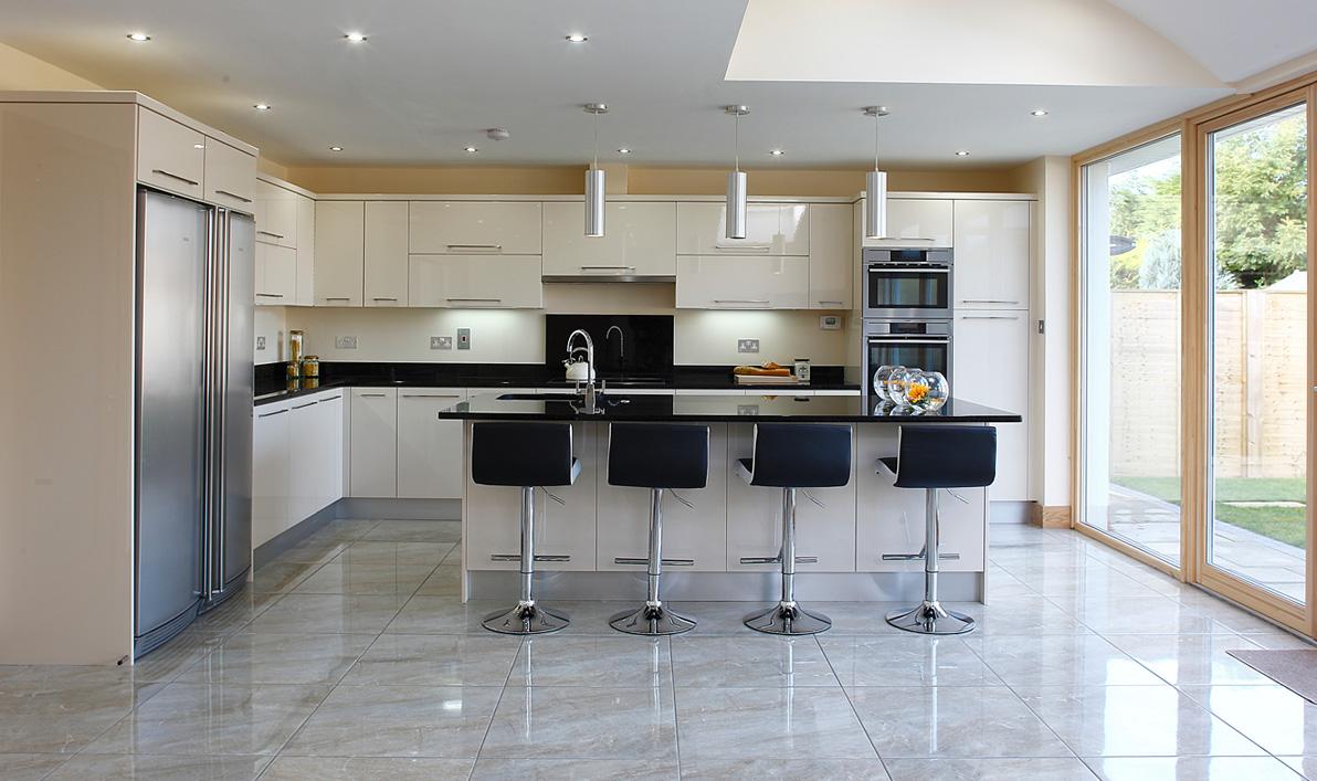 Nolan kitchens oriel modern gloss kitchens for Bathroom planner ireland